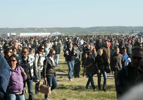 la foule au meeting aérien, Salon de Provence, 2013