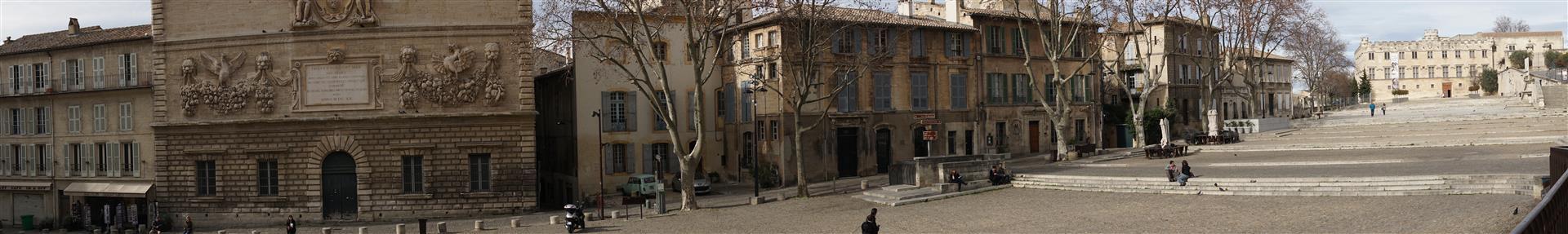 La place du palais des Papes, Avignon