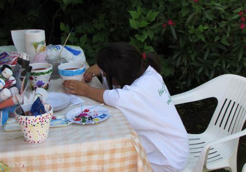 peinture sur pots de fleurs
