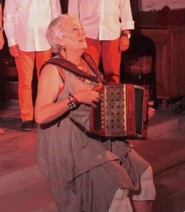 Juliette Bertoux à l'accordéon, photo Jack Bercand