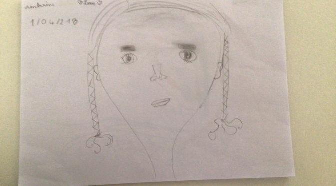 les enfants du CLAS font leur autoportrait